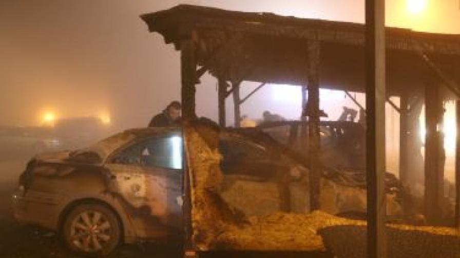 Още шест коли изгорели
