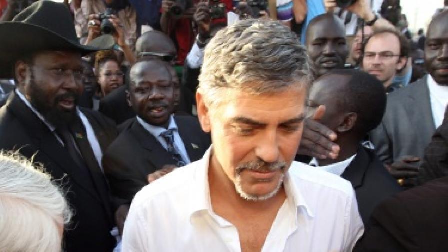 Арестуваха Джордж Клуни по време на протест