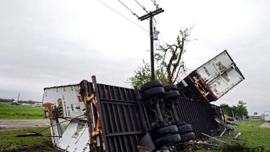 Шестима души загинаха при торнадо в Източна Турция