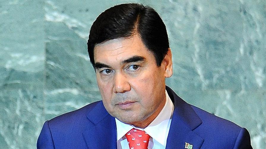 """В Туркменистан обявиха, че няма ковид-19, а само """"прах"""""""