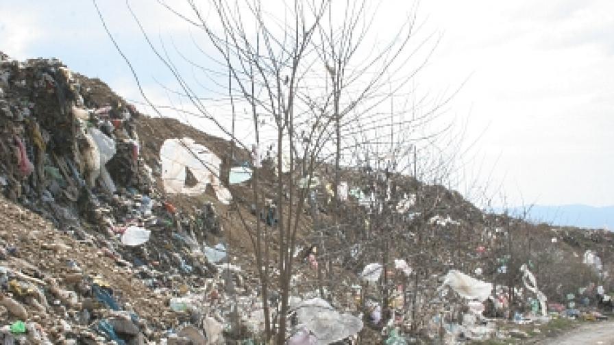 Две жени загинаха на сметището в Сухиндол