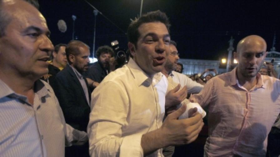 Лидерът на Коалицията на радикалната левица (СИРИЗА)Алексис Ципрас е щастлив с резултата от парламентарните избори