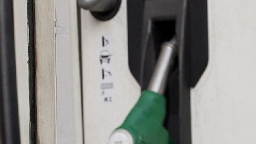 Петролът с най-ниска цена за 2012 г. след изборите в Европа