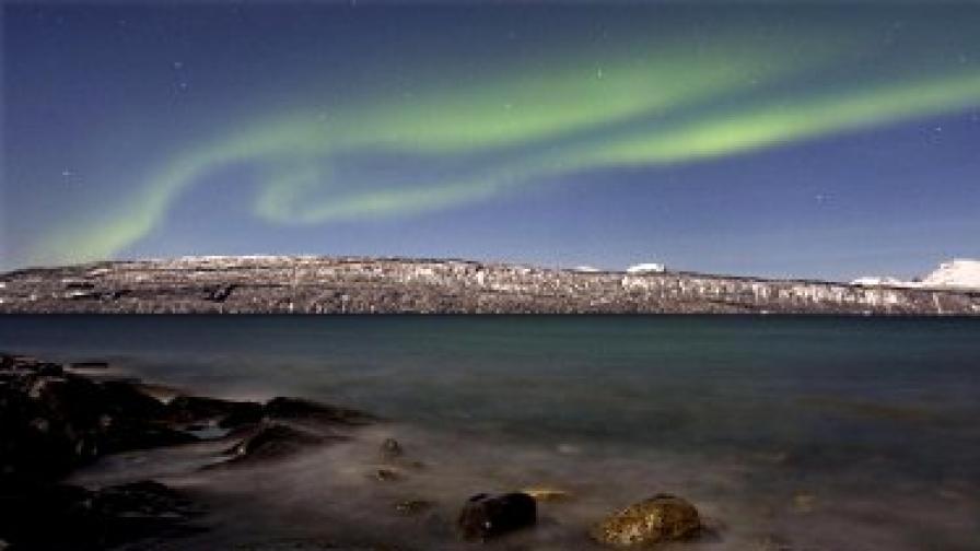 Очаква се да се получи зрелищно цветно светлинно шоу, видимо за жителите на север от 41-вия паралел, подобно на Северното сияние