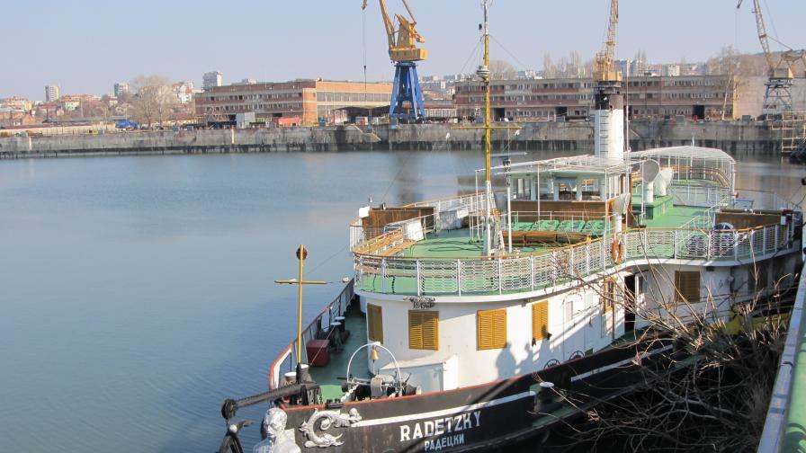 """""""Радецки"""" ремонтиран и готов за пътници"""