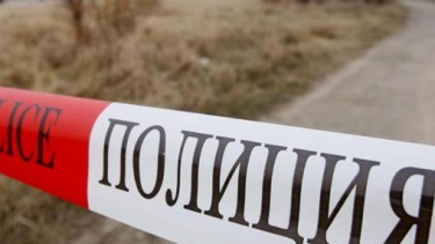 """Пари по тротоара след взривен банкомат в """"Надежда"""""""