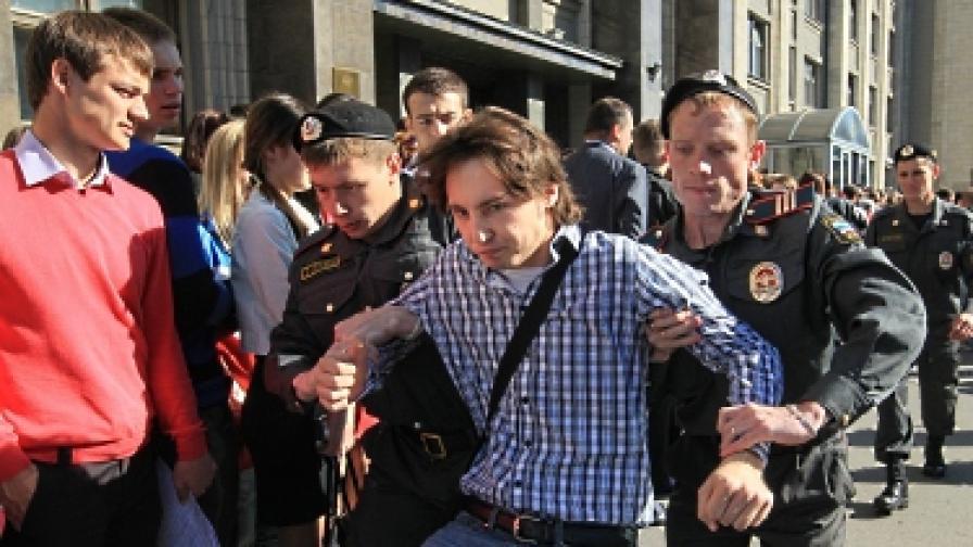 Отново арести на опозиционери в Москва
