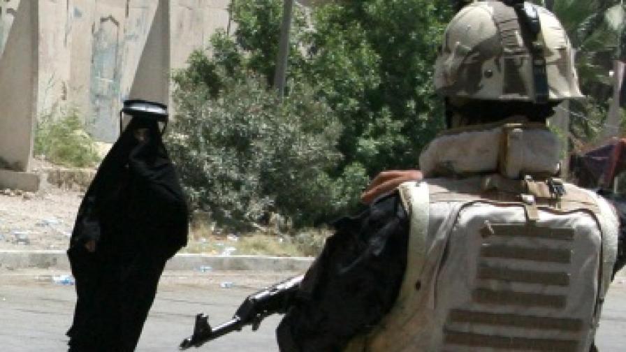 Десетки загинаха при вълна от атентати в Ирак