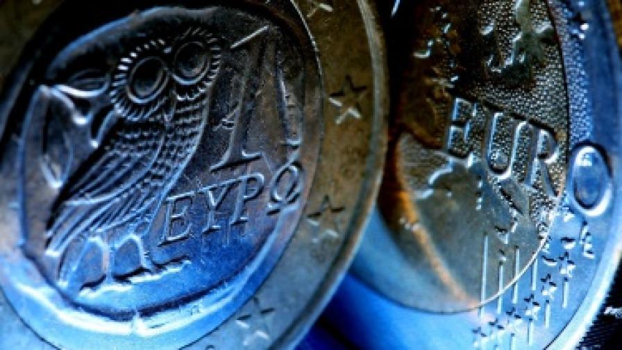 Френският президент размаха пръст на гърците