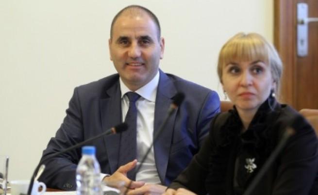 Двама министри в Брюксел преди мониторинговия доклад на ЕК