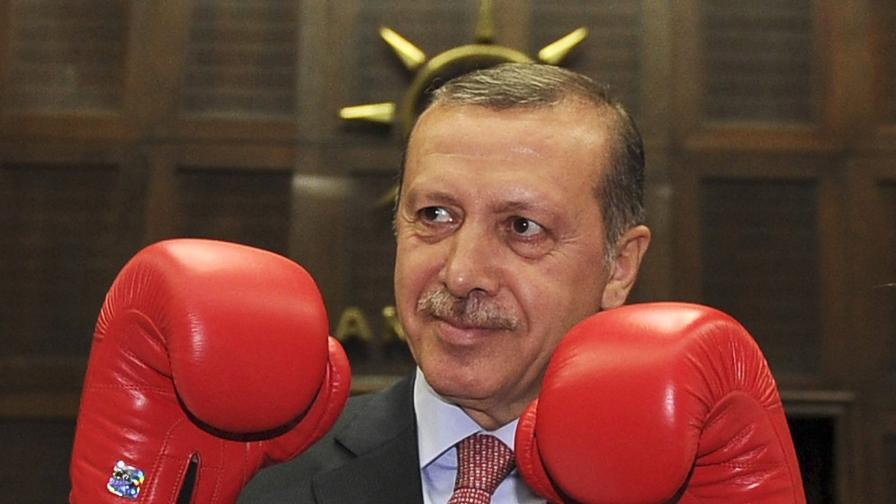 Турция отстъпва за абортите, но ограничава цезаровото сечение