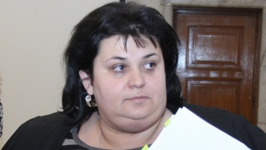 Фидосова: Без агитация на език, различен от официалния