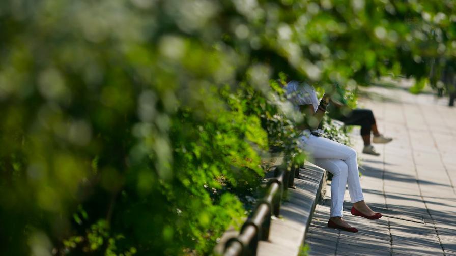 Климатик, студена вода и екзотични страни - главните опасности през лятото