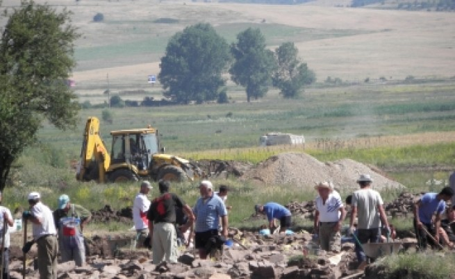 Археолози отстъпват място за строителите на