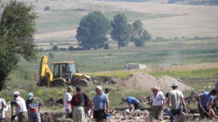 """Археолози отстъпват място за строителите на """"Струма"""""""