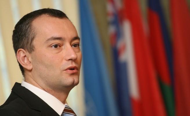 Младенов: Няма да сочим с пръст виновника преди разследването