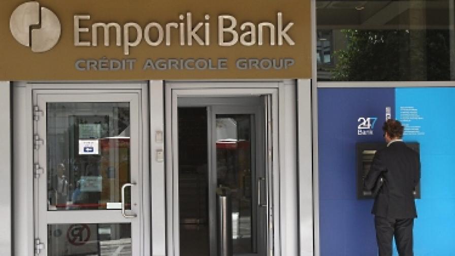 """Три гръцки банки в надпревара за """"Емпорики банк"""""""