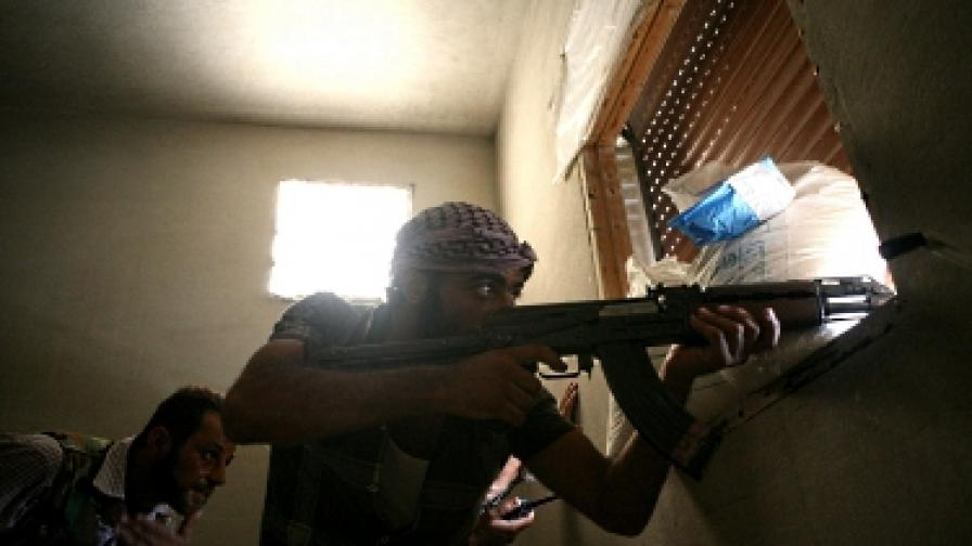 Сирийски бунтовници обявиха, че са убили руски генерал, той се появи в Москва