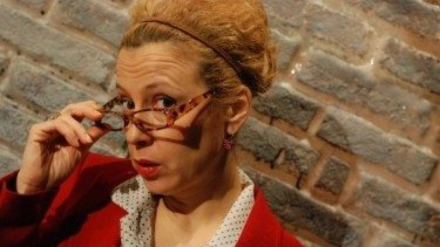 """Силвия Лулчева в """"Любовна песен"""", спектакъл на Младежкия театър """"Н. Бинев"""""""