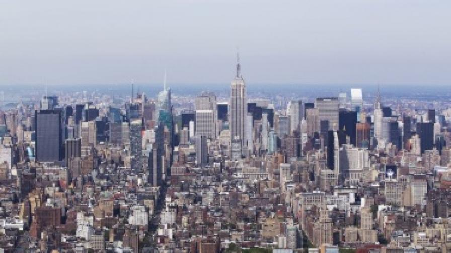 Стрелба пред Емпайър стейт билдинг в Ню Йорк