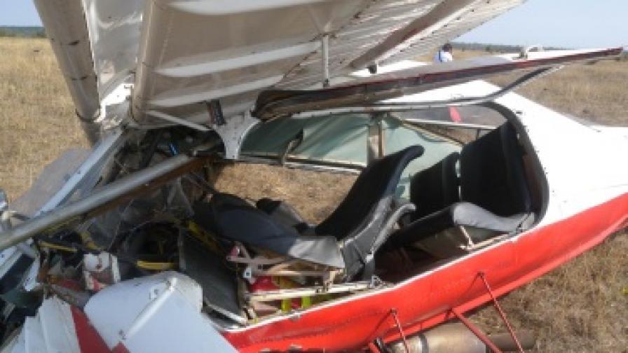 Пилотът от Шумен остава с опасност за живота