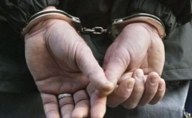 Арестуван е баща, набил и вързал 5-годишното си дете за стълб