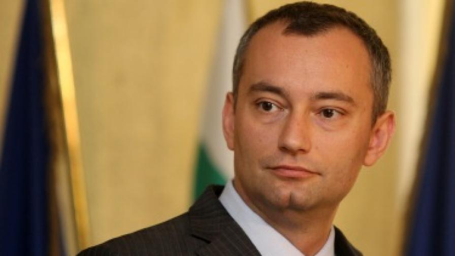 Николай Младенов