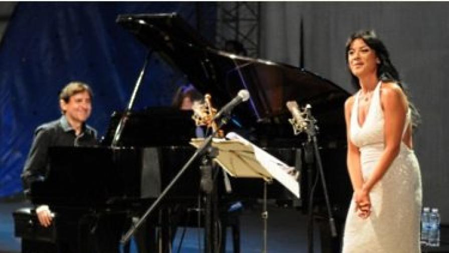 Александрина Пендачанска и Людмил Ангелов откриха Аполония 2012 с изключителен концерт