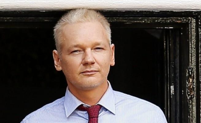 Заповедта за арест на Джулиан Асандж остава в сила