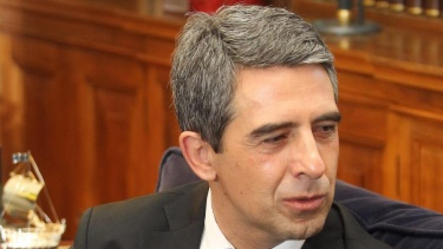 Плевнелиев: Дано референдумът е електронен