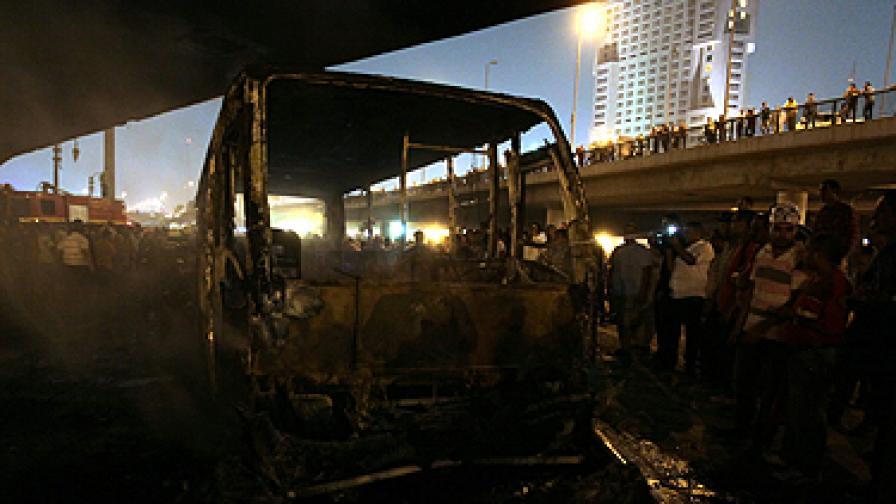 200 ранени в сблъсъци в Кайро