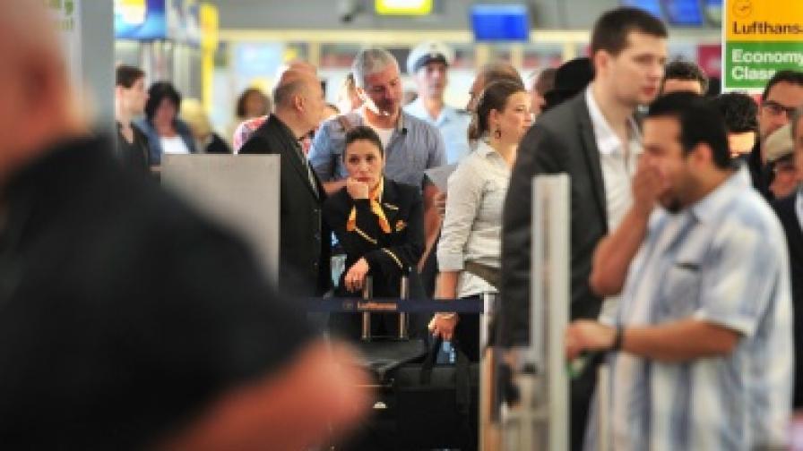 50 души се натровиха с газове на летище в Берлин