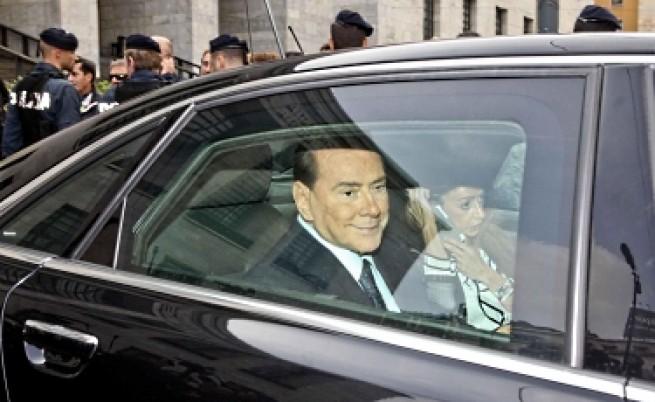Осъдиха Берлускони за данъчни измами