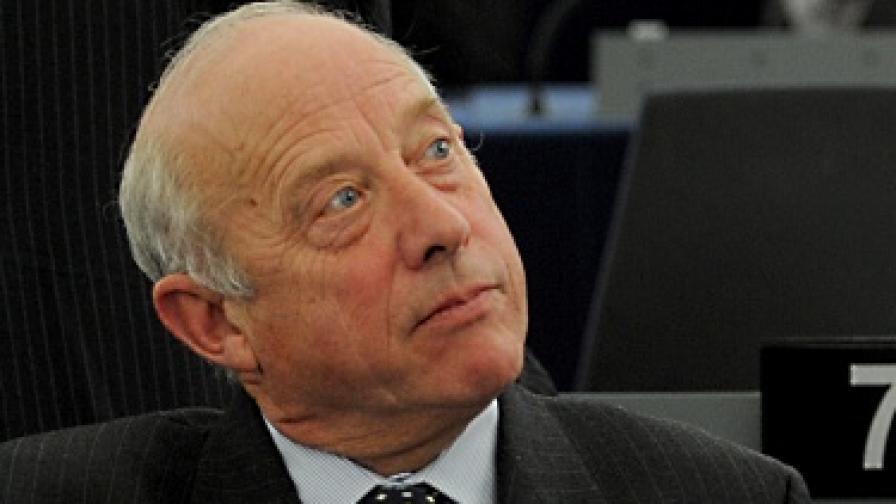 Британски евродепутат с остри думи за българи и румънци