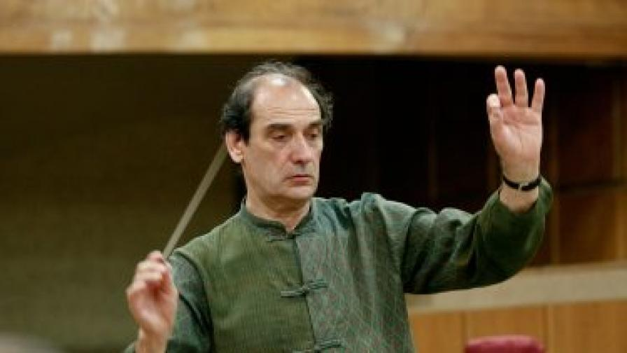 Маестро Емил Табаков ще дирижира Симфоничния оркестър на БНР на 1 януари 2013 г. в НДК