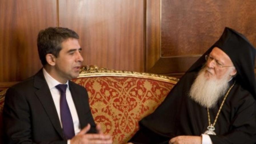 Плевнелиев: Политици няма да се месят в църквата