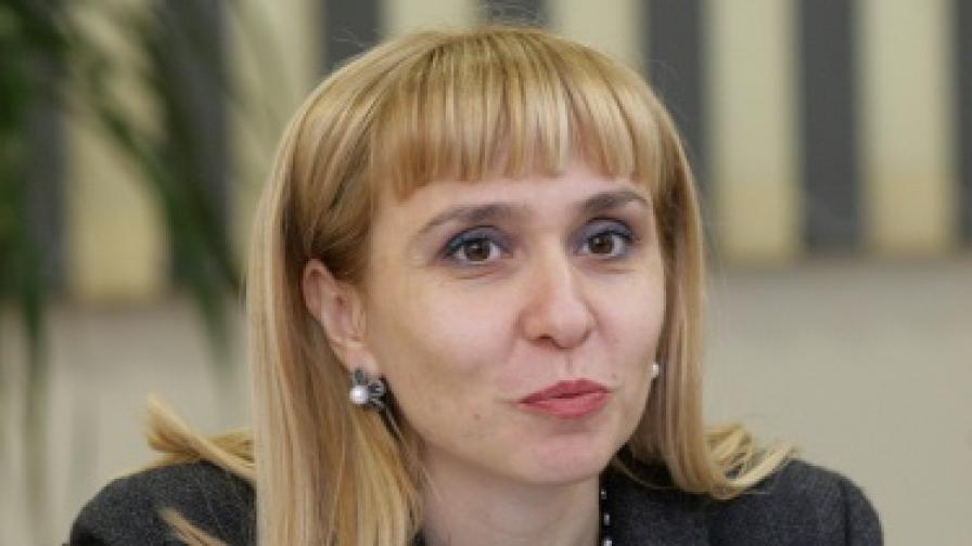 Ковачева: Никъде в ЕС няма два вида доживотна присъда