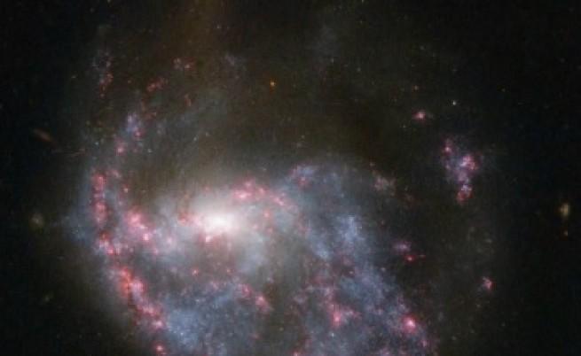 Какво се случва при сблъсък на галактически купове