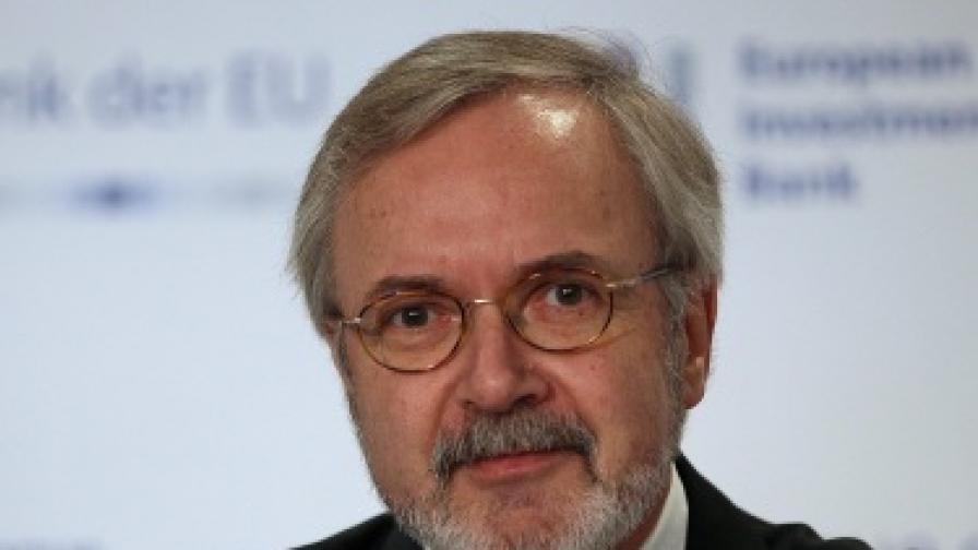 Шефът на ЕИБ: Възстановяването на Гърция ще отнеме десетилетия