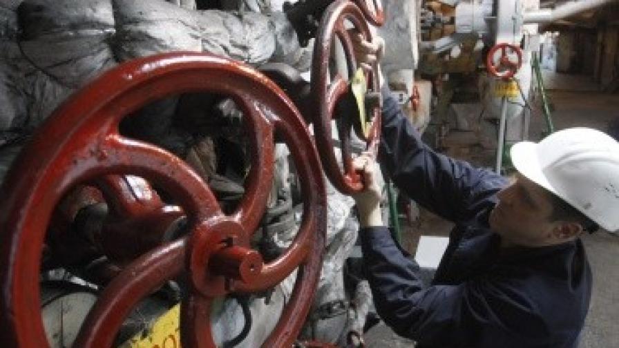 Газовата връзка със Сърбия ще заработи през 2015 г.