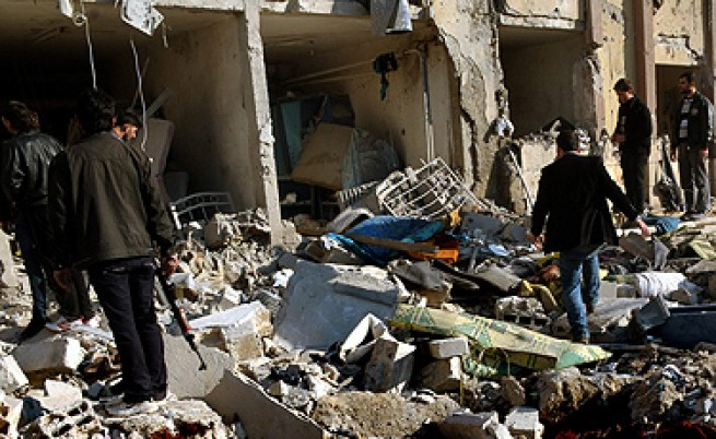 Експлозии в университета в Алепо убиха над 80 души