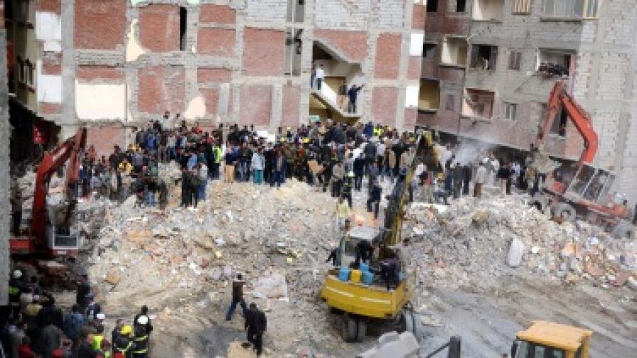 Сграда се срути в Египет, над 20 души загинаха