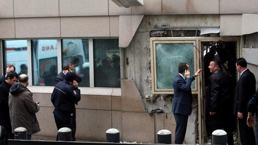 Атентаторът в Анкара носел 6 килограма тротил и ръчна граната