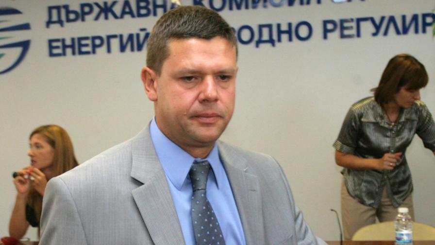 Андон Роков, временно изпълняващи длъжността председател на ДКЕВР, също присъстваше на изслушването в парламентарната комисия за борба с корупцията