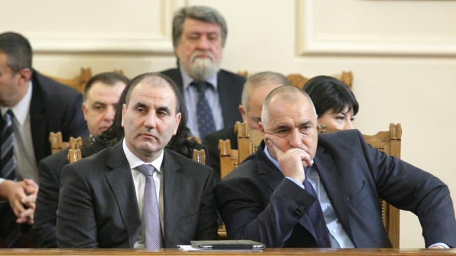 Социолози и политолози за оставката на Борисов