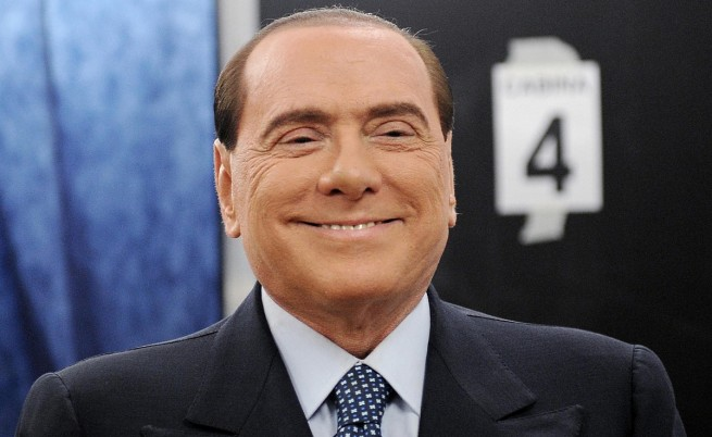 Силвио Берлускони обвинен в подкупване на опозиционен депутат