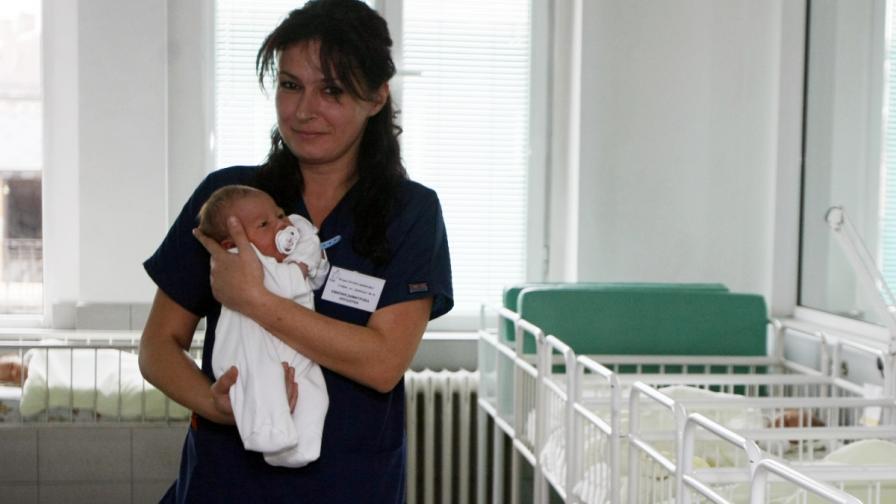 Летните бебета са с по-малък шанс за елитно образование