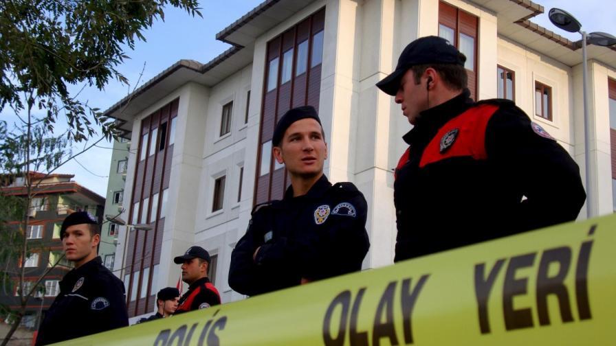 Двама ранени при експлозии в Анкара