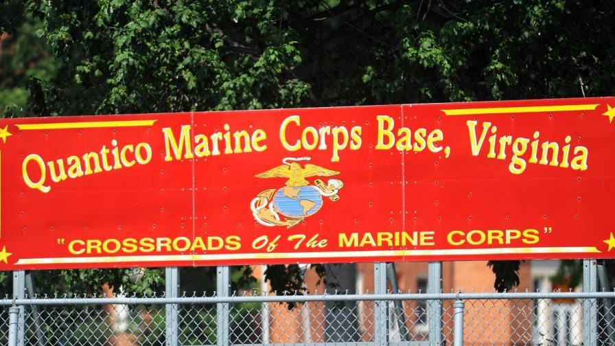 Трима морски пехотинци бяха убити при стрелба във военна база в САЩ