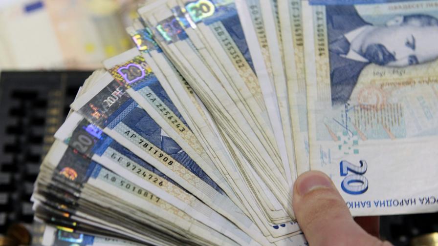 БНБ: Влоговете на домакинствата растат